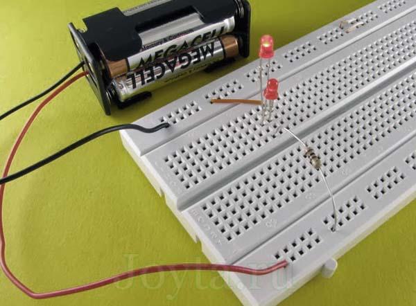 сопротивление резистора для последовательно соединеных светодиодов