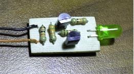 prostoj-indikator-zaryada-i-razryada-akkumulyatora-min